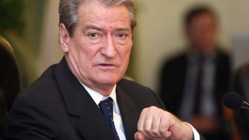 Zi në familjen e Sali Berishës, ish-kryeministri bën mesazhin