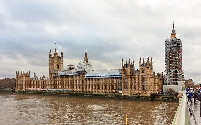"""Panik në """"Westminster"""", një pacient i infektuar shkoi"""