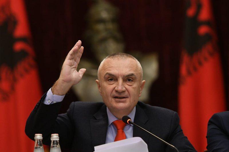 """""""Le të vijnë me tanke"""", nuk përmbahet Ilir Meta: Ja"""