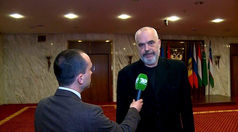 Muhamed Veliu e pyet për arsyen e vizitës në Moskë,