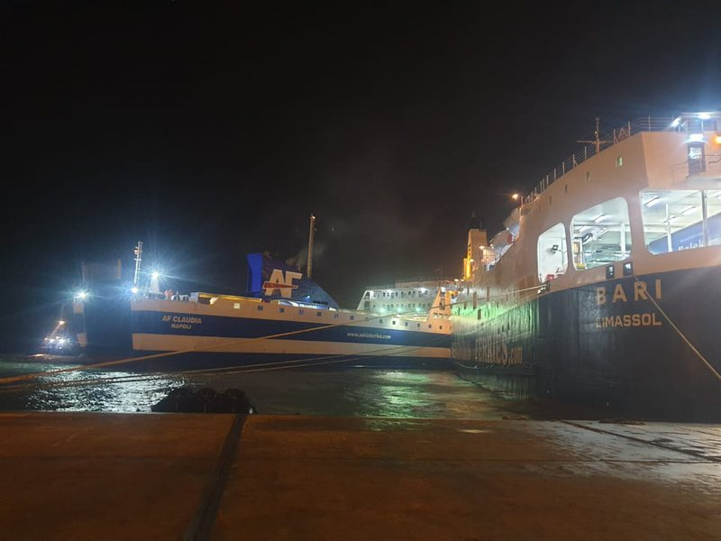 Përplasen tragetet në Portin e Durrësit, çfarë ka