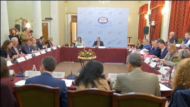 Vijojnë diskutimet për reformën zgjedhore, LSI në ankth nga