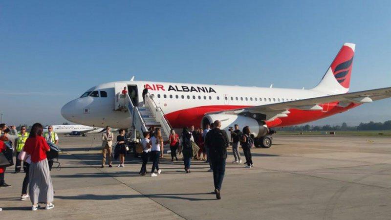 Kthehen në Shqipëri dhjetëra qytetarë shqiptarë të