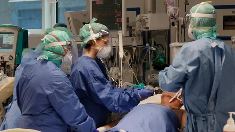Italia merr ndihmën më të vyer, dhjetëra pacientë do