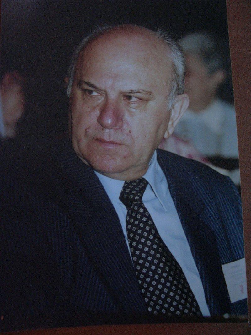 Emin Riza: Ministria e Kulturës të ndalojë shkatërrimin e
