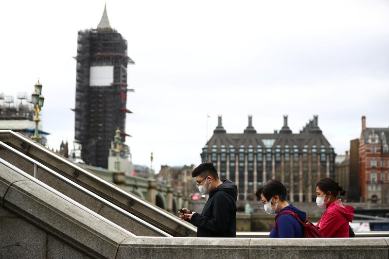 Britania po merr frymë lirisht prej shifrave të pandemisë, habit