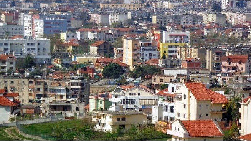 Emrat në Tiranë, ja qytetarët që marrin lejet e legalizimeve