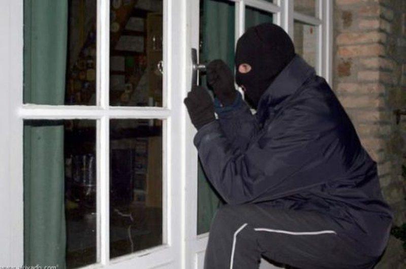 Rikthehen 'maskat' në Elbasan, banda e grabitësve