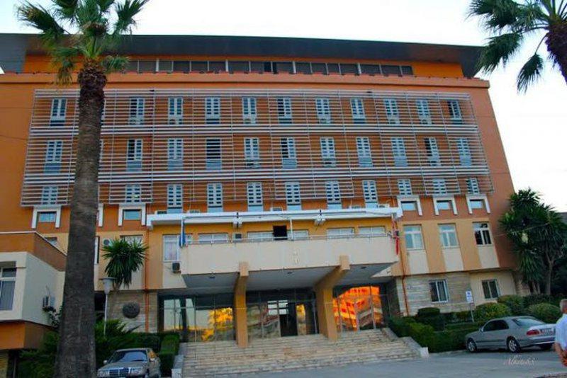 Frikë nga COVID 19 hyn edhe në Kadastrën e Durrësit,