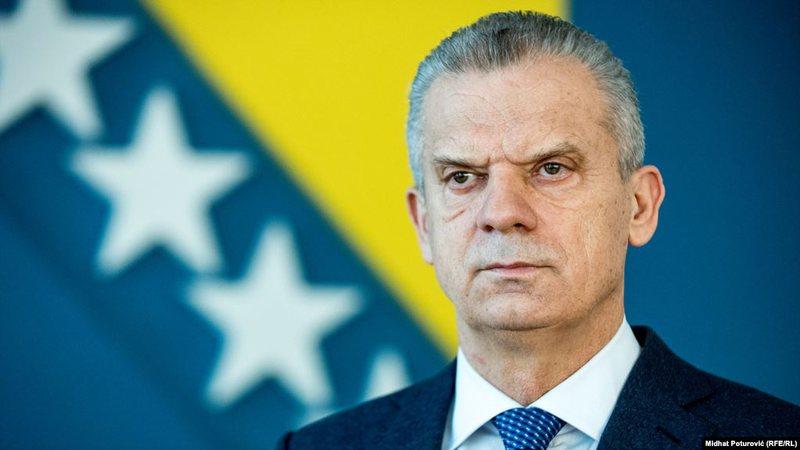 Jep dorëheqjen ministri boshnjak, zbulohen divergjencat me qeverinë