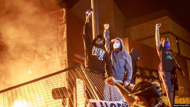 Kaos në SHBA, përshkallëzohen protesta në disa zona,