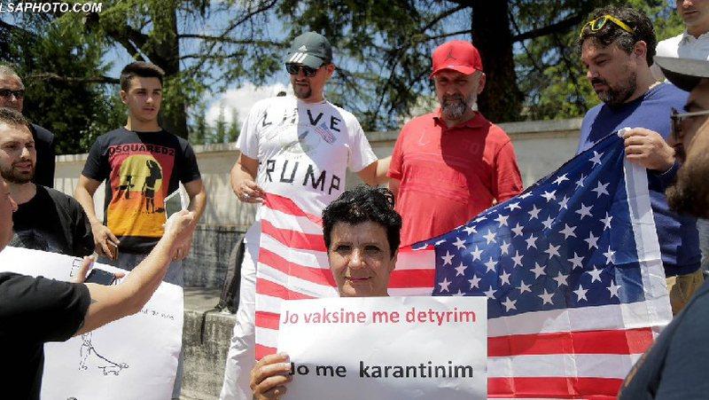 Protestë në Tiranë kundër vaksinës së COVID-19: