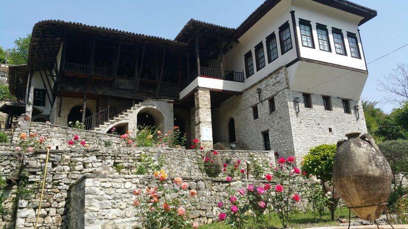 Muzeu Etnografik në Berat, me një koleksion të pasur objektesh