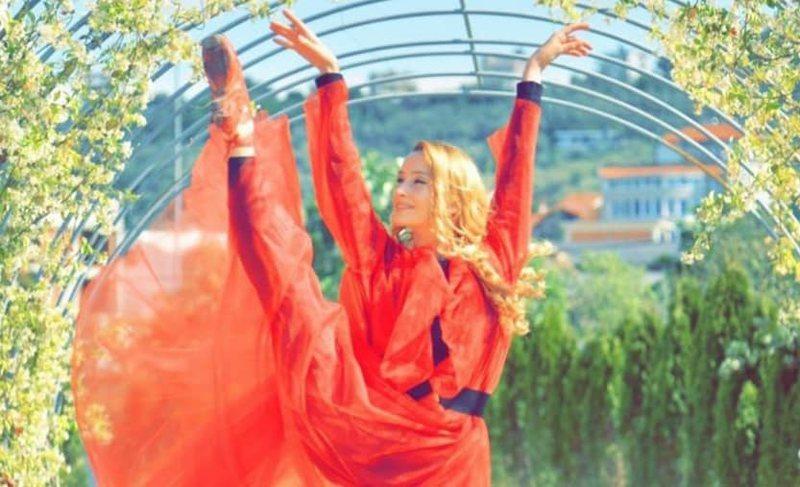 Artistet e baletit, me performanca kundër dhunës