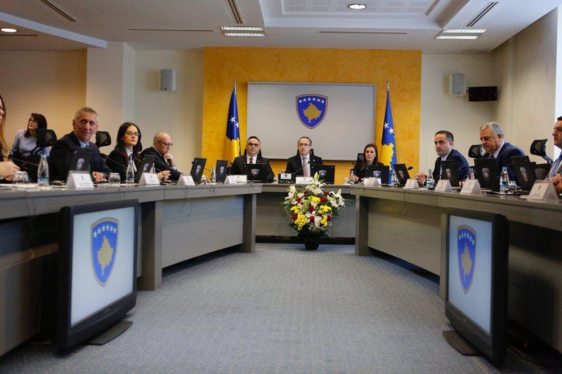 Kosova shfuqizon reciprocitetin me Serbinë, SHBA-ja përmes Sfidës