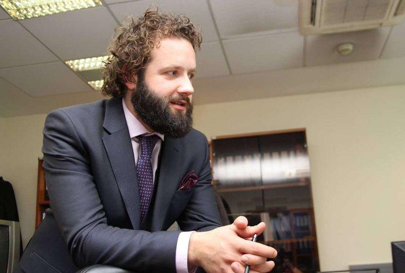 Gazetari Idro Seferi shpërthen i revoltuar në rrjet: Çfarë