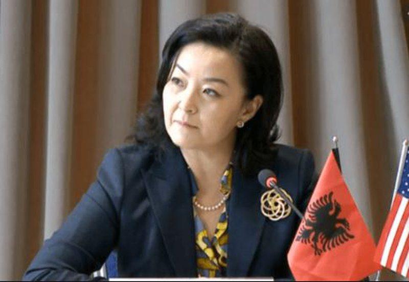 Yuri Kim mesazh politikës shqiptare: Çdo rotacion politik i