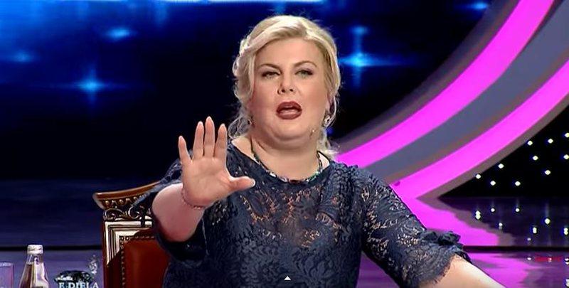 """""""Më ke prekur me sjelljen tënde"""", Eni Çobani"""