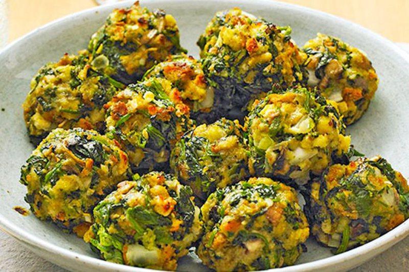 Qofte shtëpie me spinaq dhe patate, receta më e shijshme që keni