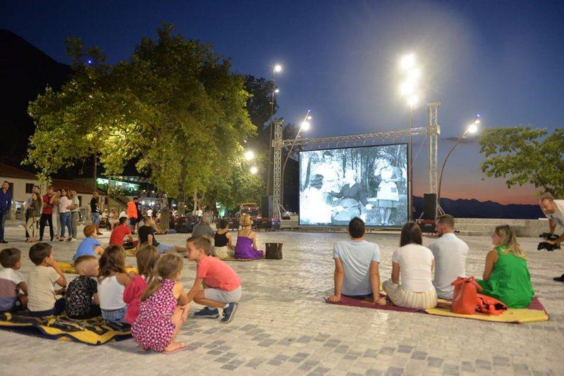 Rikthehet kinemaja verore, filmat më në zë shqiptarë shfaqen