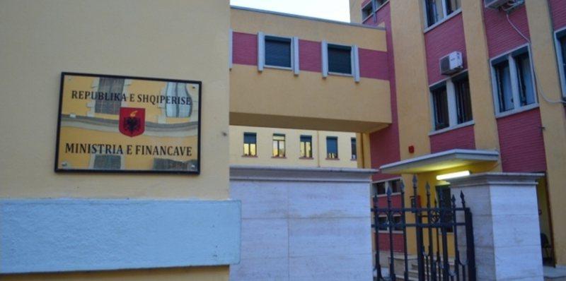 Deficiti buxhetor arrin 310 mln euro për 6-mujorin e parë, bien
