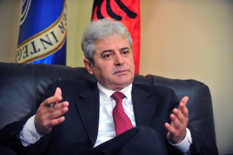Ali Ahmeti thirret nga Gjykata Speciale në Hagë, e konfirmon vetë