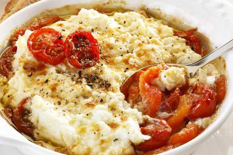 Ju duhet vetëm djathë, domate dhe vaj ulliri, receta verore që do
