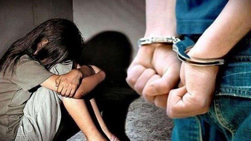 Abuzoi seksualisht me dhunë me të miturën, arrestohet në