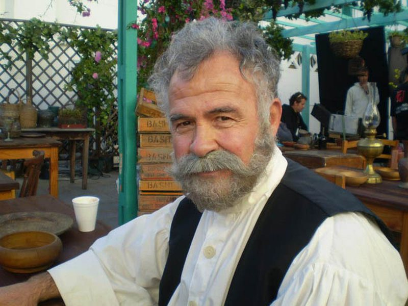 Nikolla Llambro: Teatri ka humbur kolektivitetin, ndarja partiake i bëri