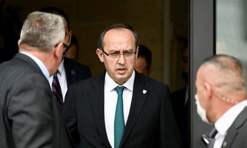 Xhandarmëria serbe hyri në Kosovë, Avdullah Hoti bën
