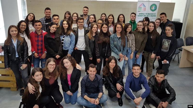 Covid-19 në Shqipëri, 'Zëri i Amerikës' zbulon