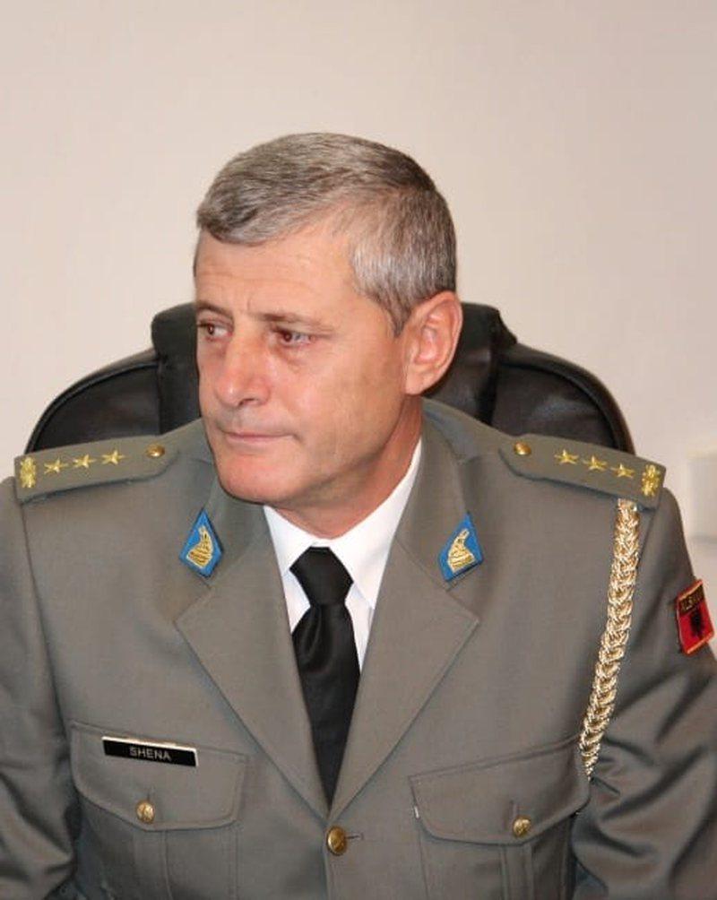 """""""Lamtumirë Komandanti i QBO""""/ Ndahet papritur nga jeta koloneli"""
