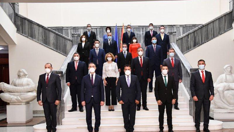 Formohet qeveria e re në Maqedoninë e Veriut, shqiptarët marrin 6