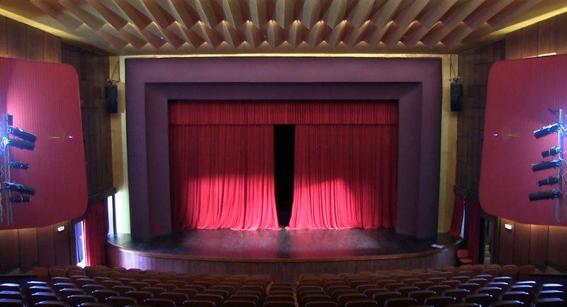 Regjisorët në unison: Plagjiatura shkatërron artin teatror dhe