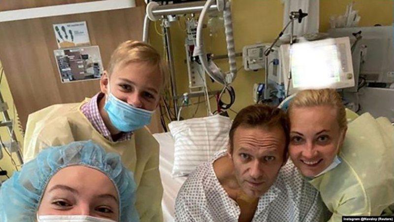 Pasi publikoi foton nga spitali ku u shfaq i tjetërsuar, kritiku i Putinit