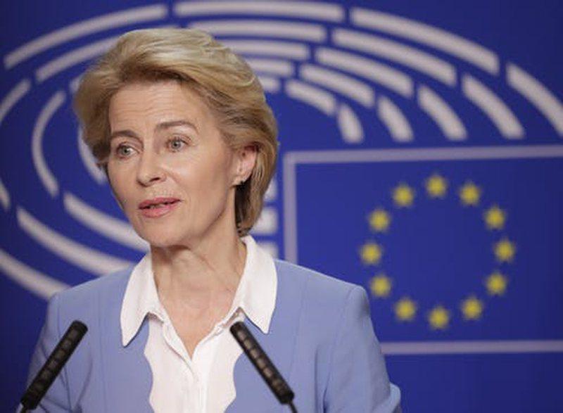Tensionet në Mesdhe/ Presidentja e Komisionit Europian i dërgon