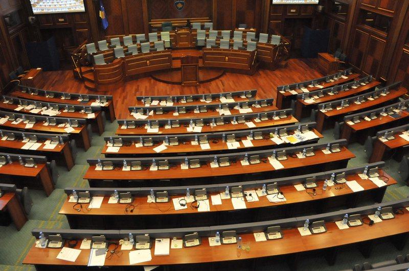 Befason deputetja: Në Kuvend ka pasur edhe tjerë kolegë me