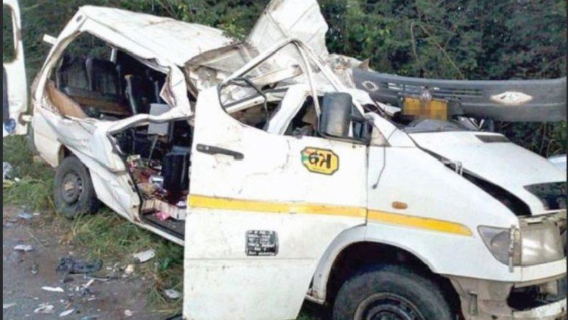Tragjedi/ Autobusi me 36 futbollistë bie në lumë, humbin
