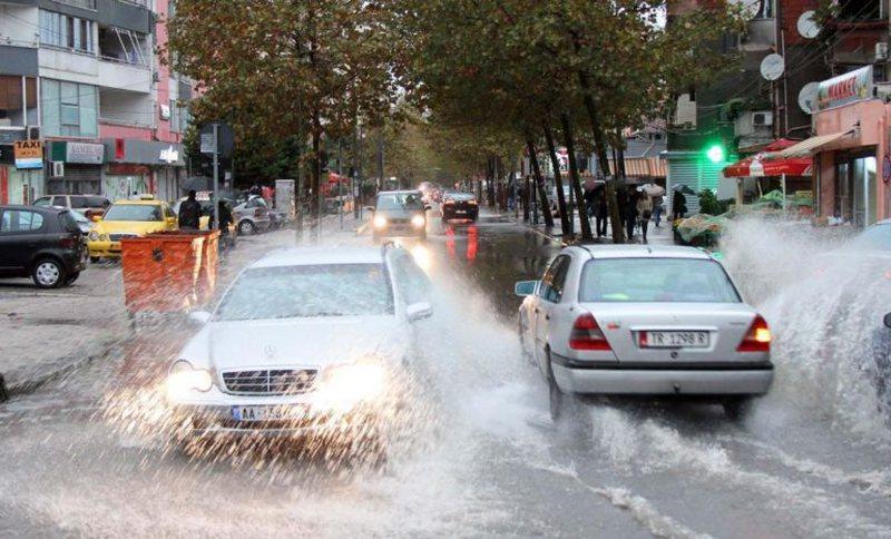 Në fundjavë priten stuhi dhe reshje të mëdha shiu!  Agjencia