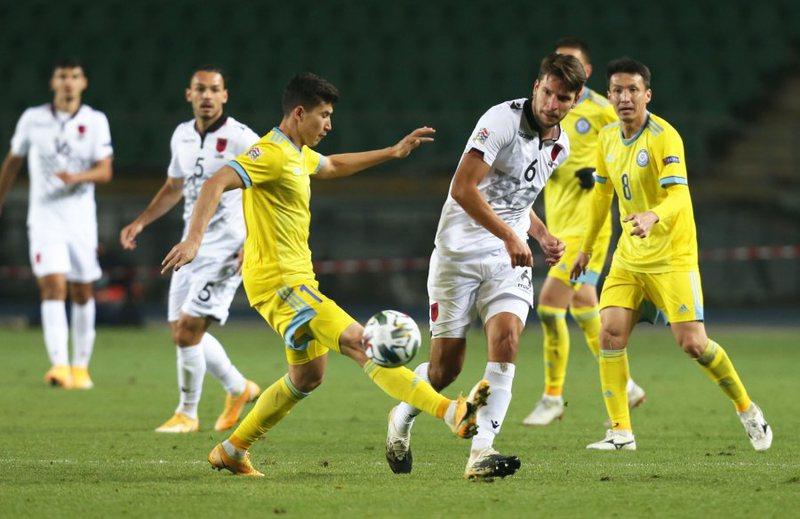 Kombëtarja zhgënjen sërish, barazim me Kazakistanin dhe mbetet
