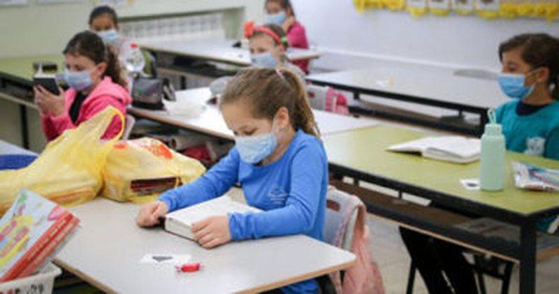 Pandemia e covid-19, ky shtet merr vendimin dhe mbyll shkollat
