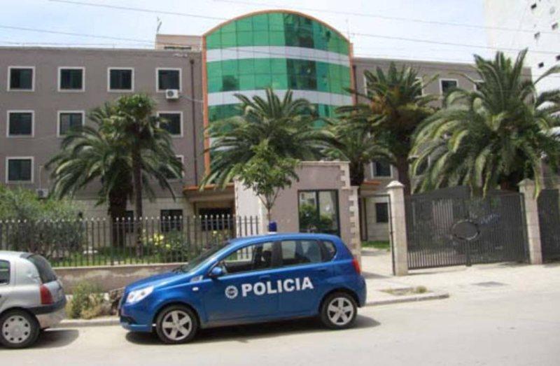 Lejuan ndërhyrje në rrugë, arrestohet një prej zyrtareve