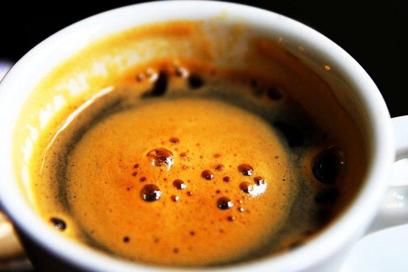 Pini një filxhan kafe në ditë dhe luftoni këtë problem