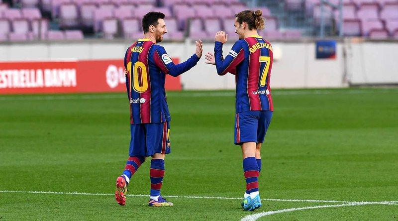 Barcelona fiton me goleadë, Mesi ia dedikon golin e tij Maradonës