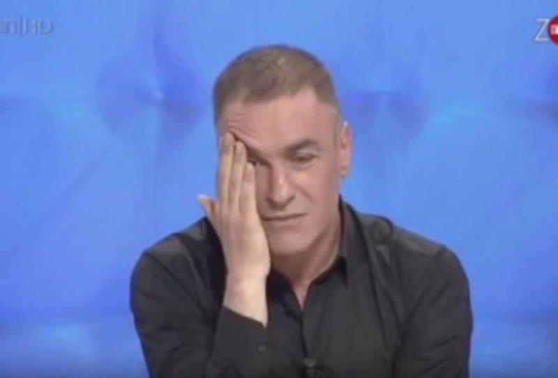 """""""Po më afrohet dhe mua"""", Arjan Çani i mërzitur"""