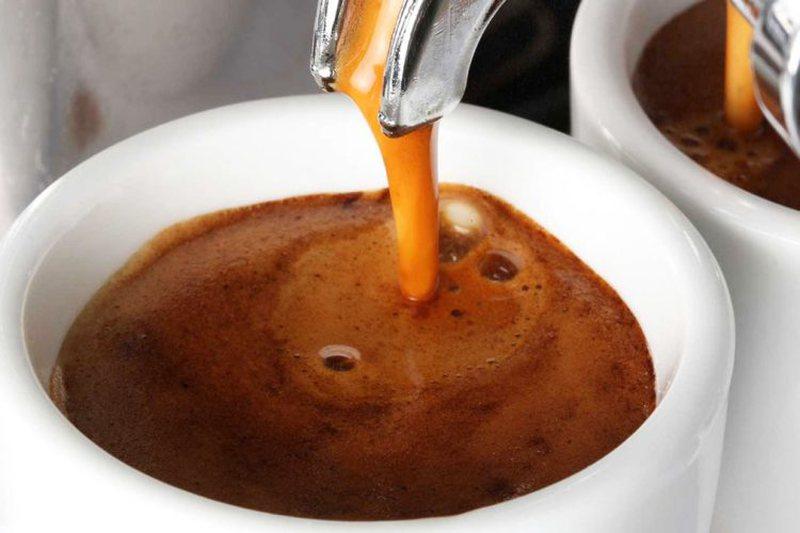 Jeni konsumues të kafes? Informacionet që duhet t'i dini me