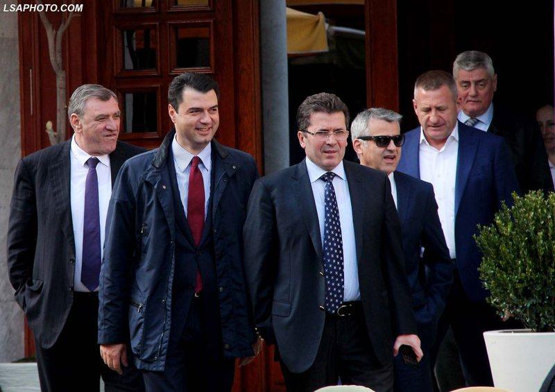 Përçarje në opozitë, Mediu prezanton kandidatët e PR