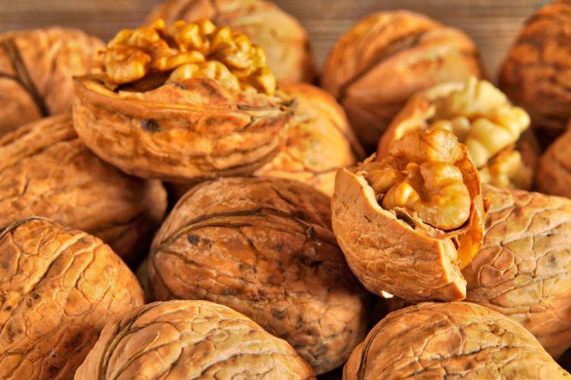 Mbrojnë zemrën dhe trurin, këto janë ushqimet që nuk