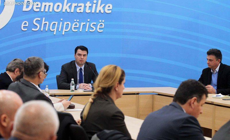 PD fokusohet në Tiranë për zgjedhjet, Basha piketon 6