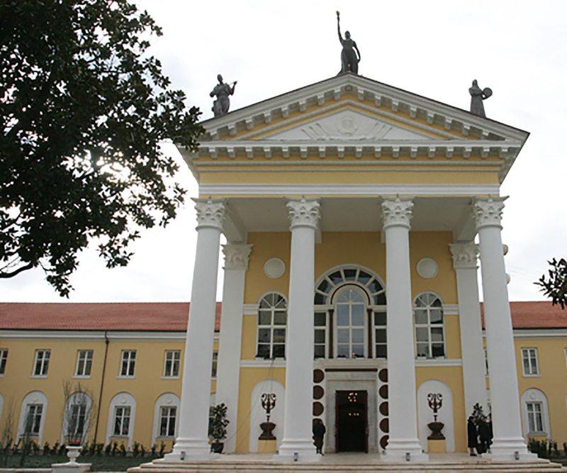 AMT: Ministria e Kulturës të përgjigjet, pse u nxorën nga